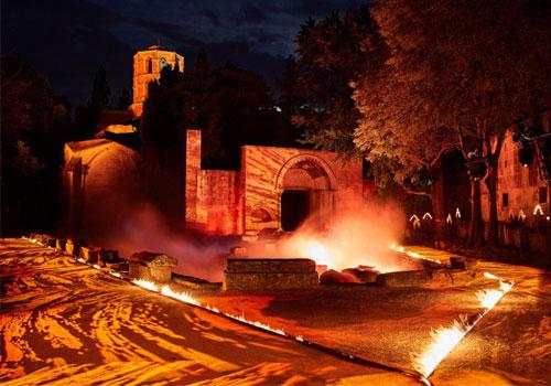 to-cruise-show-toy-gucci-stin-archaia-nekropoli-tis-arl11