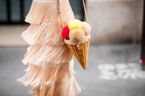 paris-haute-couture-5-kalokairines-taseis-apo-tin-street-moda2