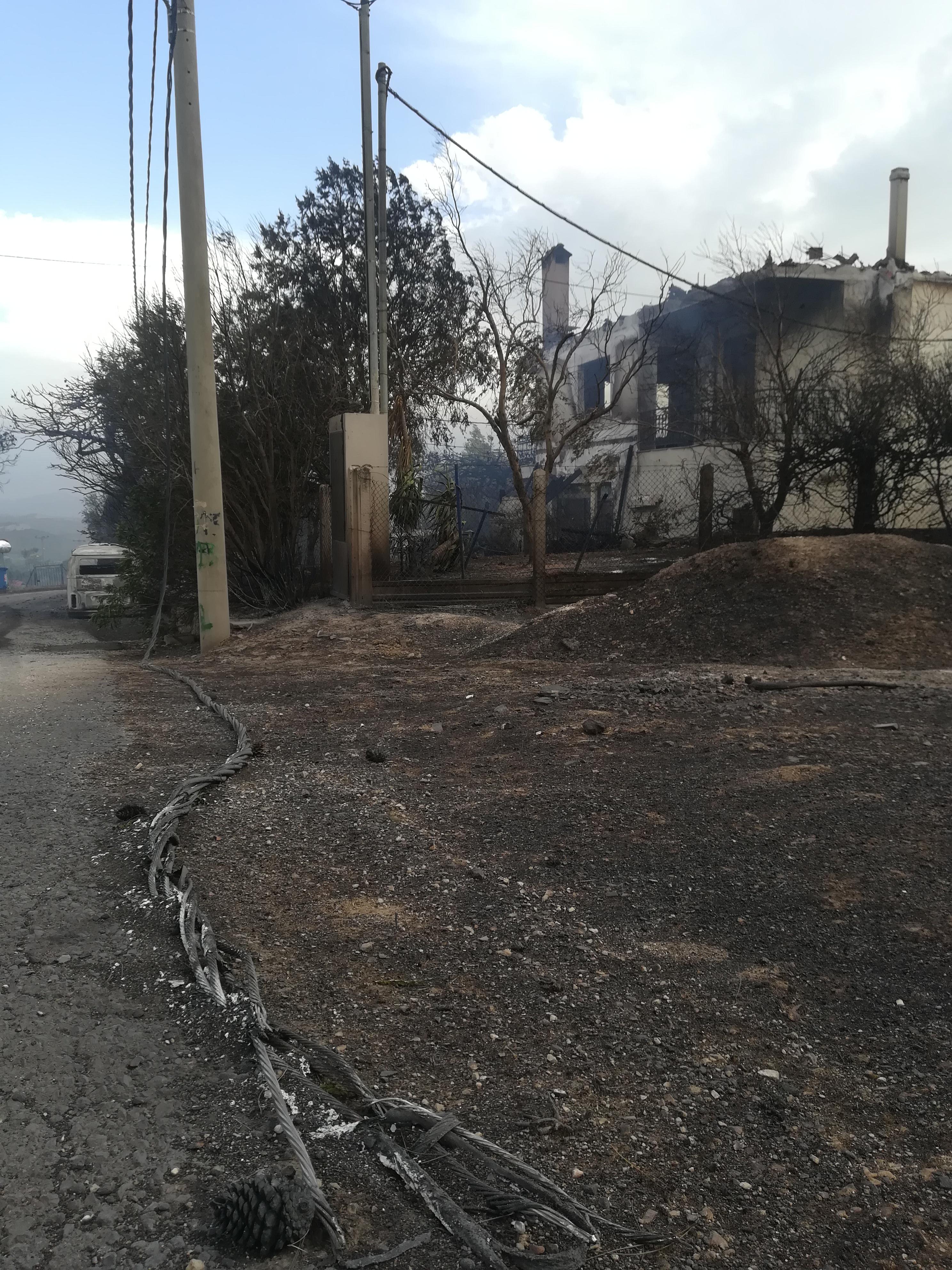eikones-oloklirotikis-katastrofis-apo-tis-pyrkagies-foto-amp-8211-vinteo13