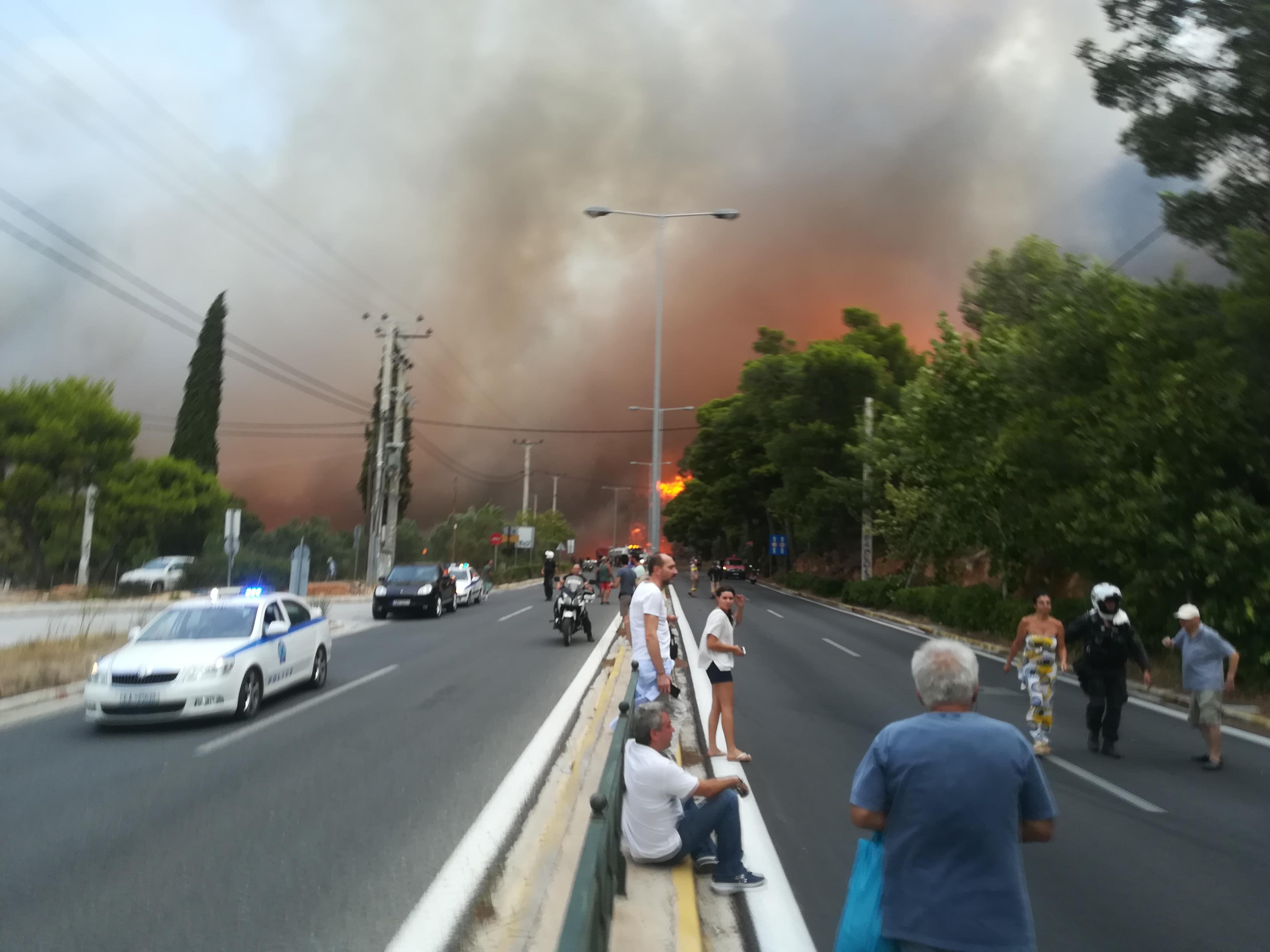 eikones-oloklirotikis-katastrofis-apo-tis-pyrkagies-foto-amp-8211-vinteo22