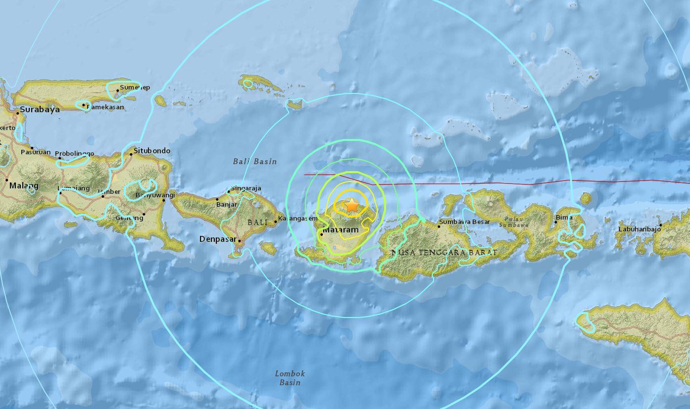 ischyros-seismos-7-richter-stin-indonisia-amp-8211-ekdothike-proeidopoiisi-gia-tsoynami1