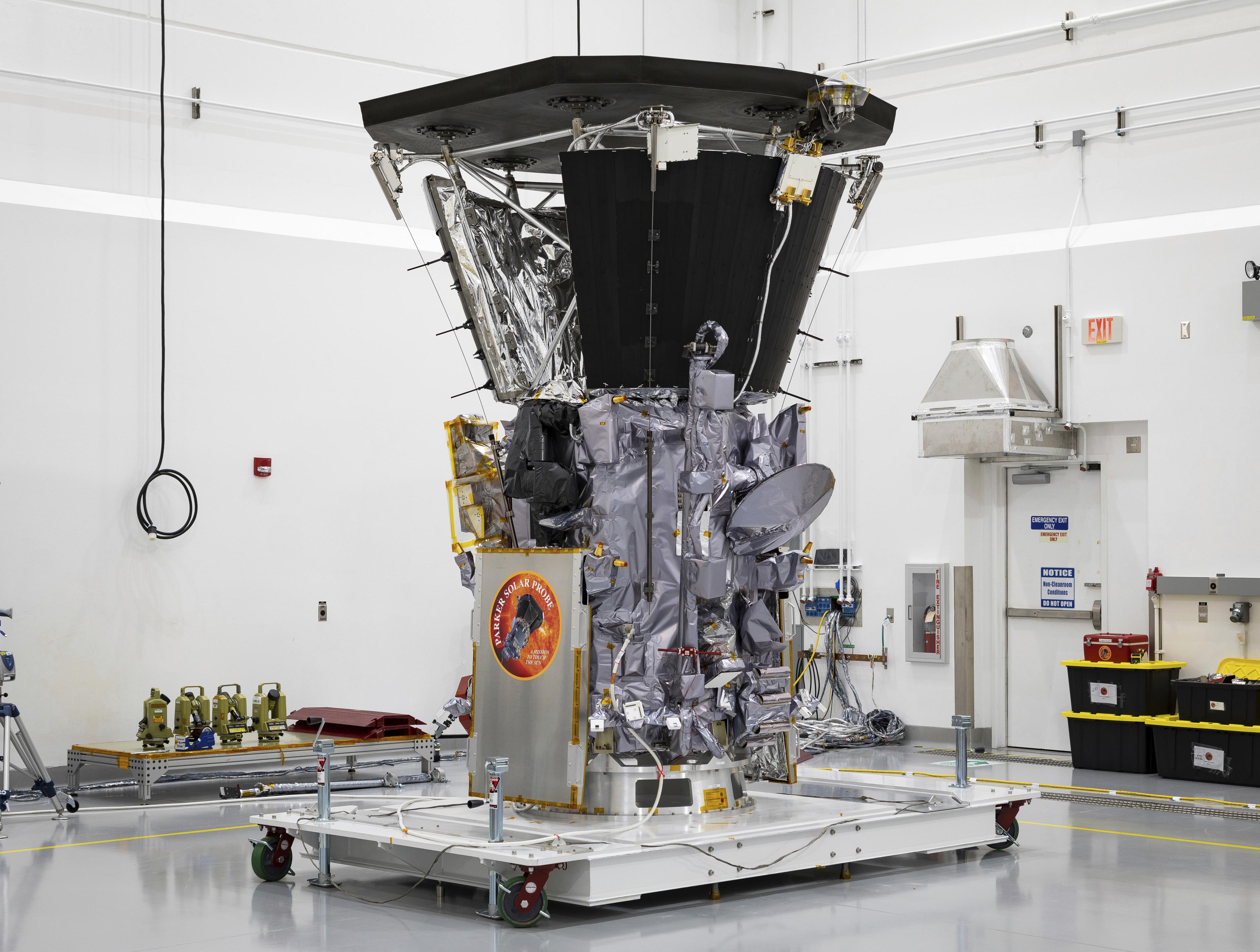 etoimo-na-aggixei-ton-ilio-to-parker-solar-probe-tis-nasa3