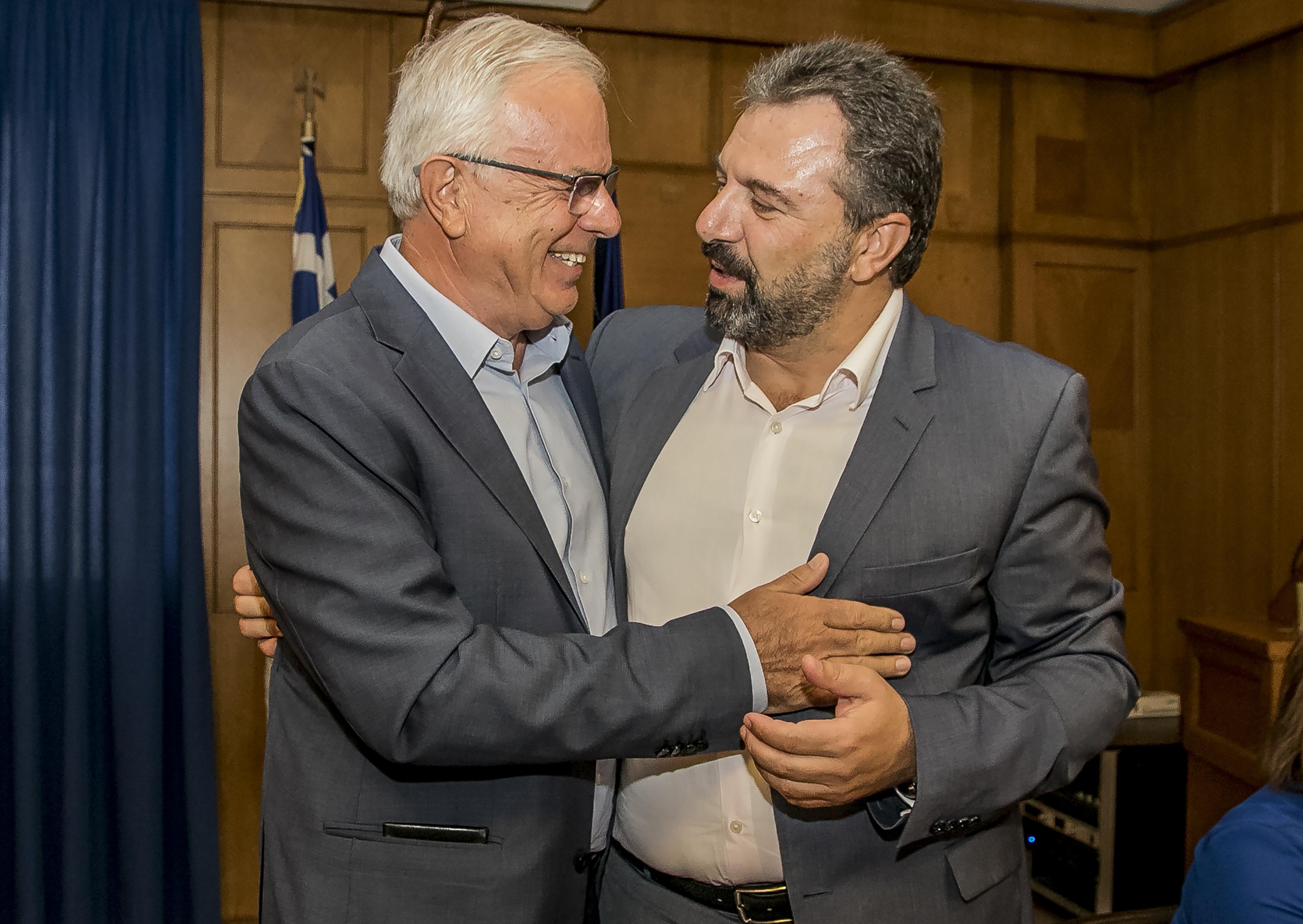 nees-proteraiotites-apo-tsipra-amp-8211-amichania-ston-syriza-gia-to-kyvernitiko-schima2