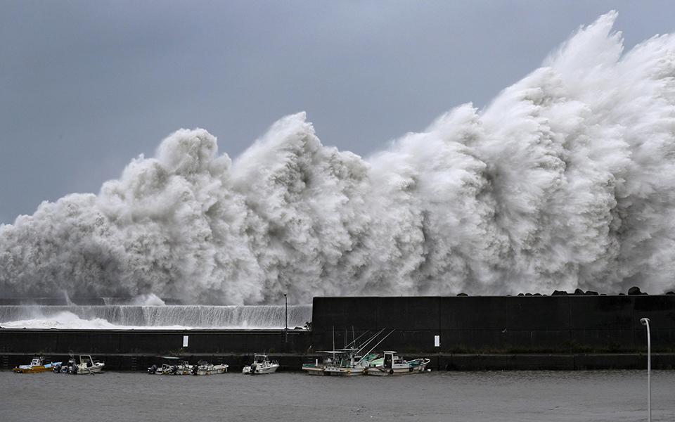 iaponia-exi-nekroi-kai-eikones-vivlikis-katastrofis-apo-ton-tyfona-tzempi-fotografies29