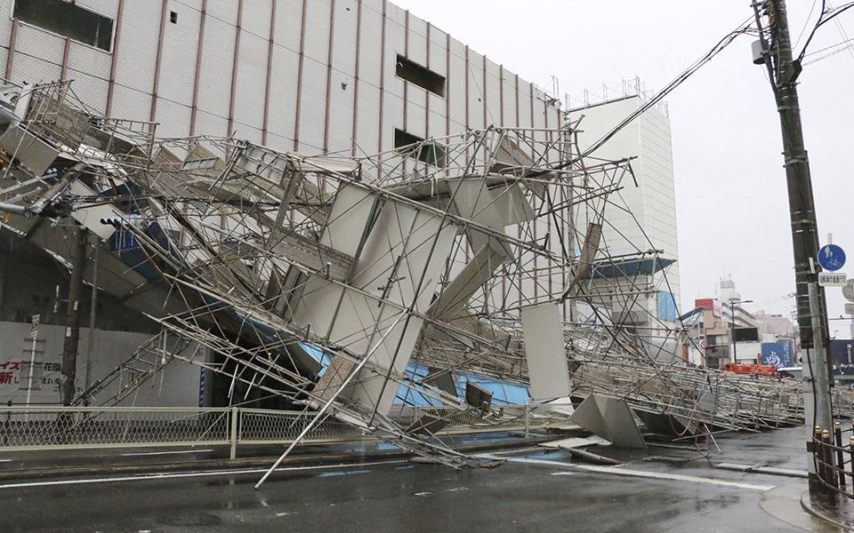 iaponia-exi-nekroi-kai-eikones-vivlikis-katastrofis-apo-ton-tyfona-tzempi-fotografies13