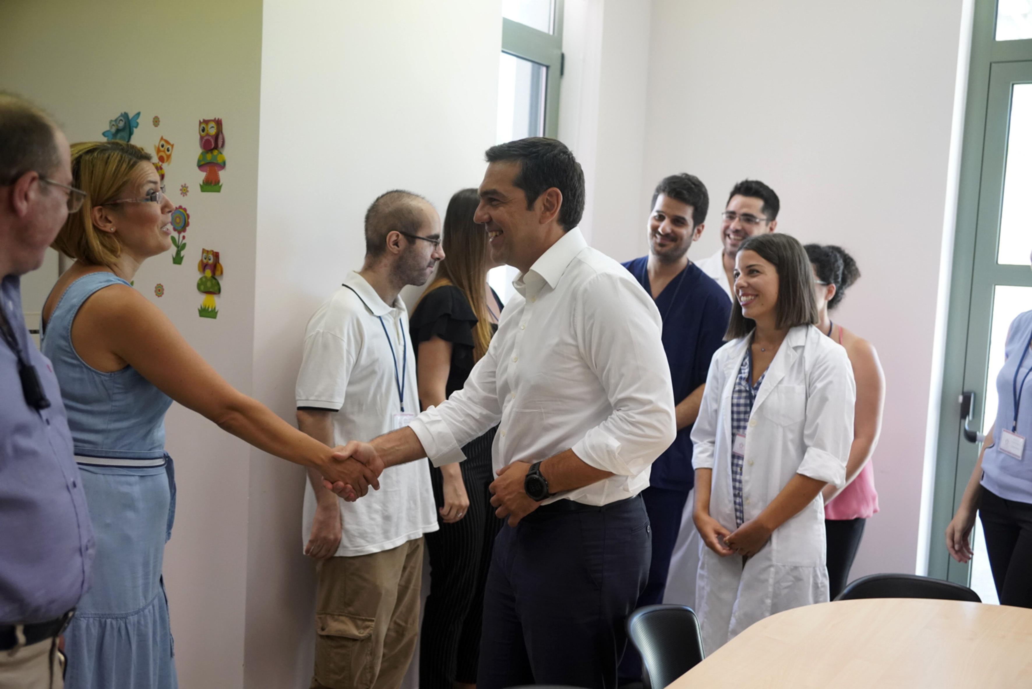 tsipras-meta-ti-lixi-ton-mnimonion-archizoyme-na-pairnoyme-anases-fotografies5