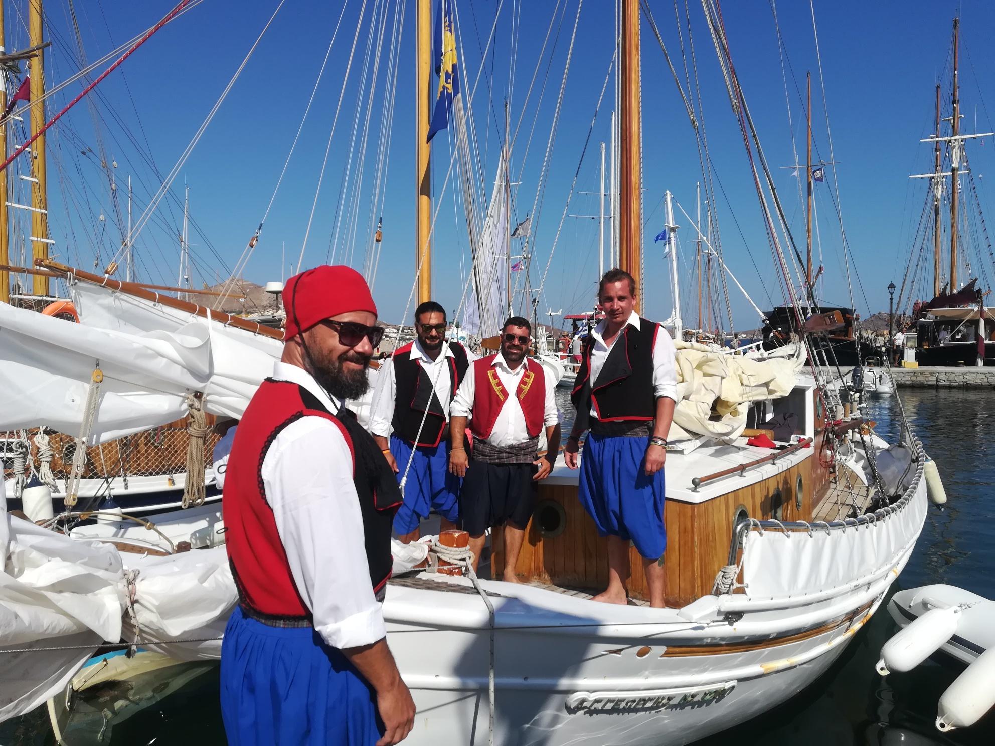 kapetaneika-enas-amp-8230-foros-amp-8211-timis-sti-naytiki-mas-paradosi1