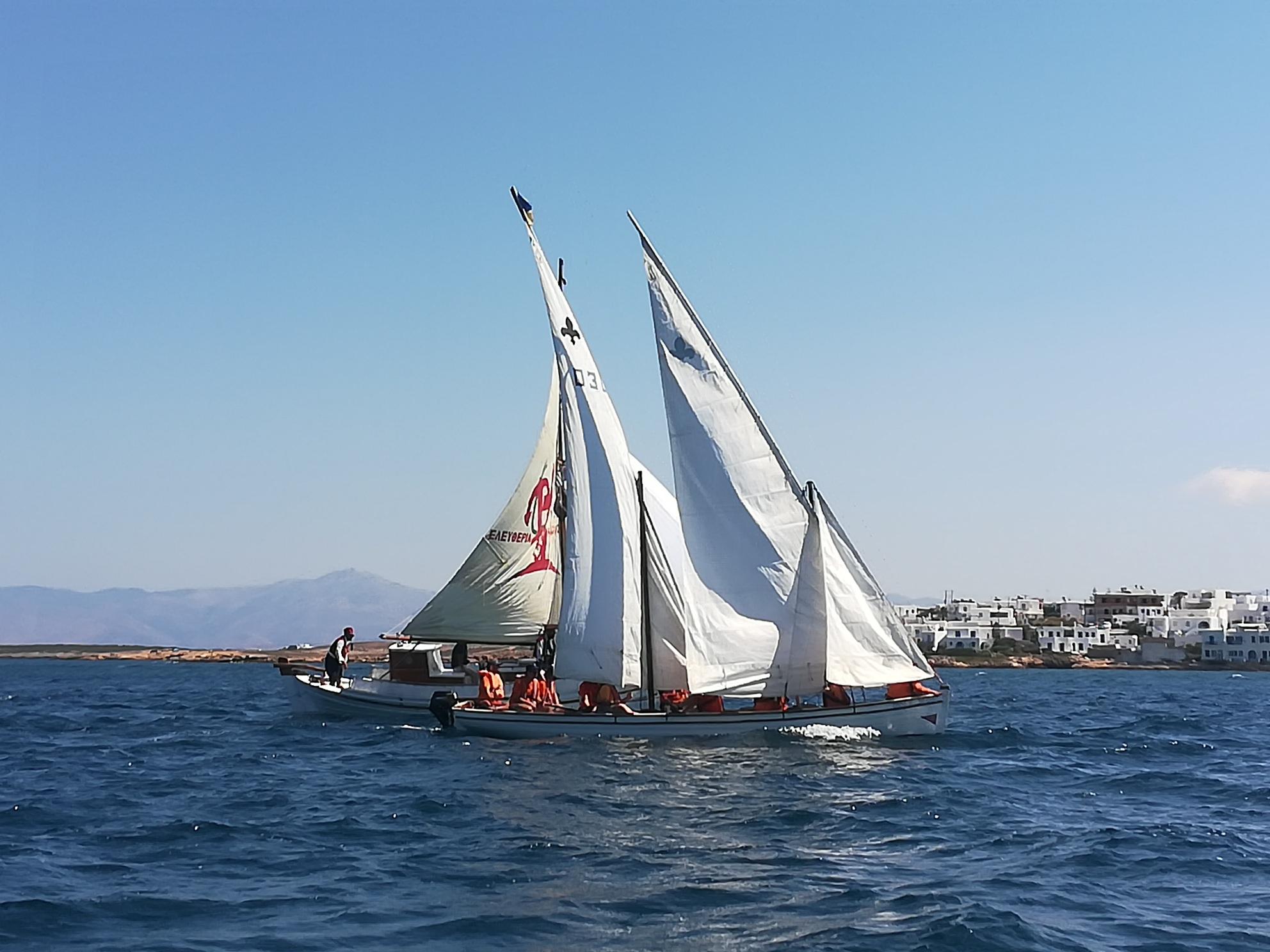 kapetaneika-enas-amp-8230-foros-amp-8211-timis-sti-naytiki-mas-paradosi7