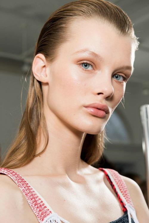 lfw-to-beauty-look-sto-show-tis-victoria-beckham1