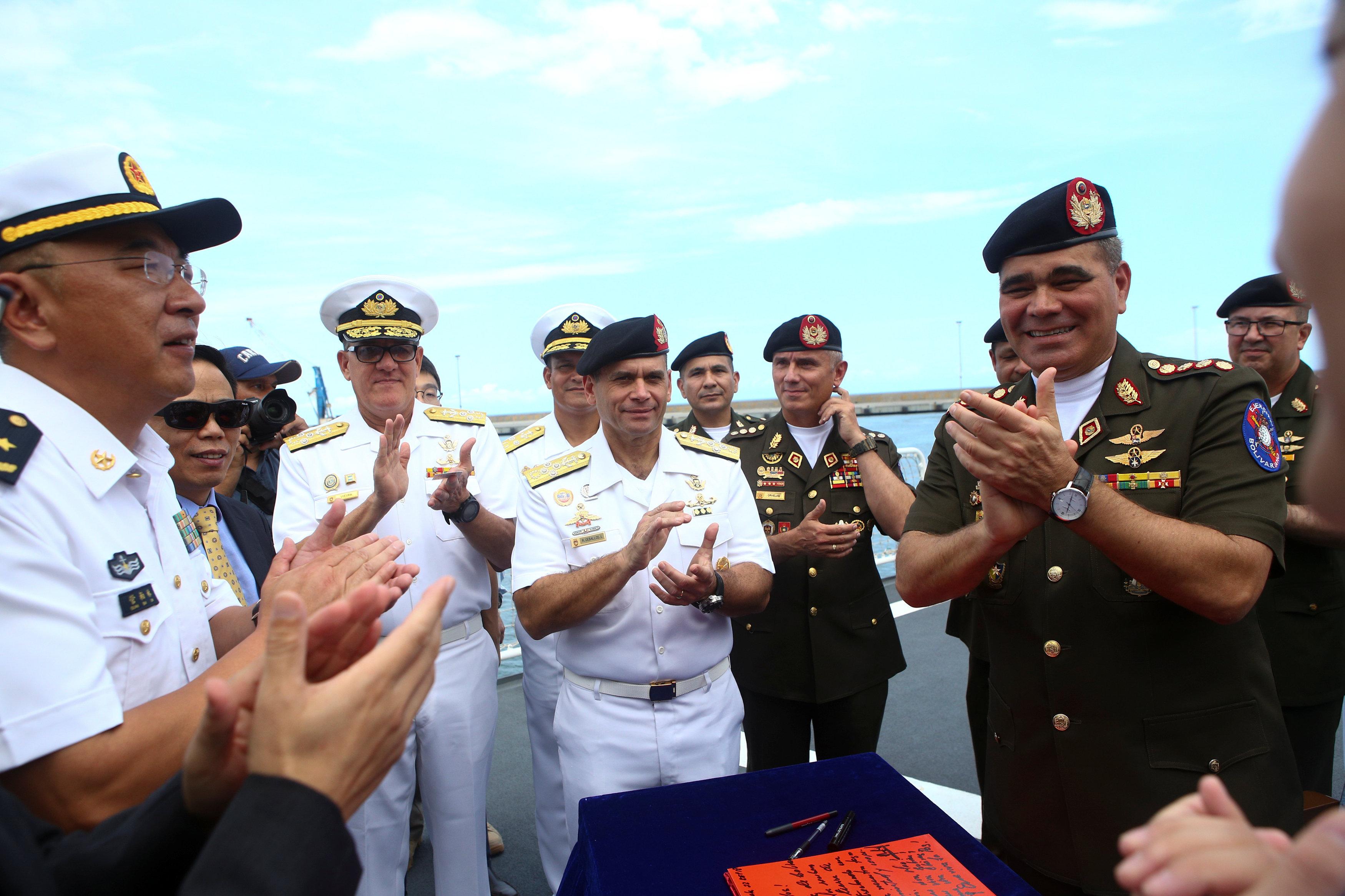 ploto-nosokomeio-esteile-i-kina-sti-venezoyela13