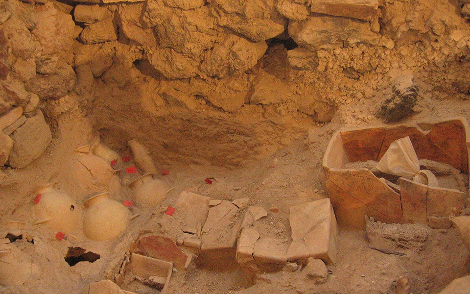nea-simantika-archaiologika-eyrimata-sto-akrotiri-tis-santorinis-fotografies1