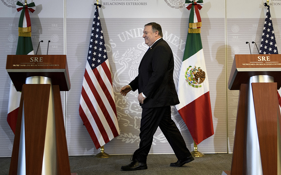 pompeo-diafainetai-mia-krisi-sta-synora-ton-ipa-me-to-mexiko3