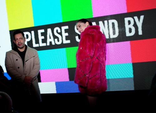 moschino-x-h-amp-038-m-backstage-sto-show-poy-prokalese-seismo-stin-times-square13