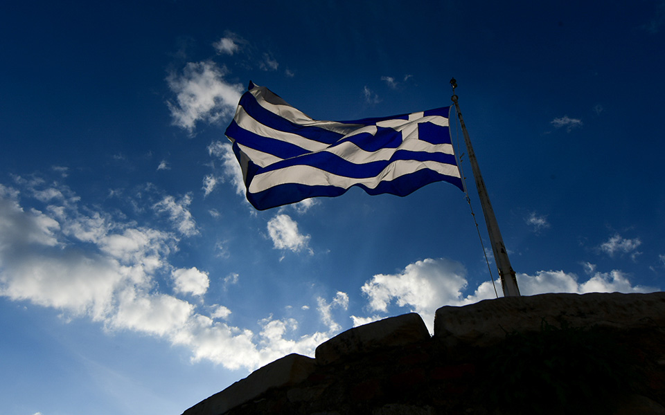 i-teleti-eparsis-tis-simaias-apo-tin-proedriki-froyra-stin-akropoli-fotografies13