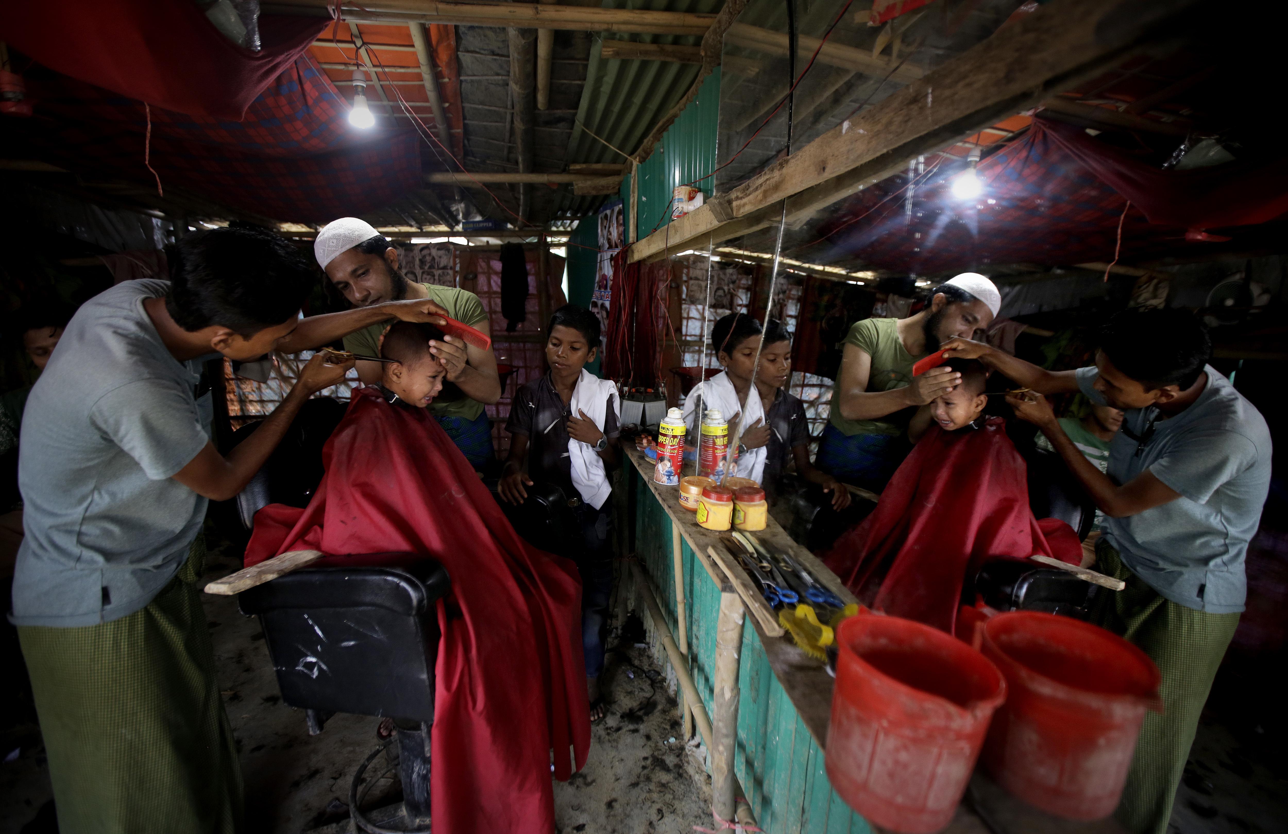 to-facebook-paradechetai-ta-lathi-poy-ekane-sti-mianmar0