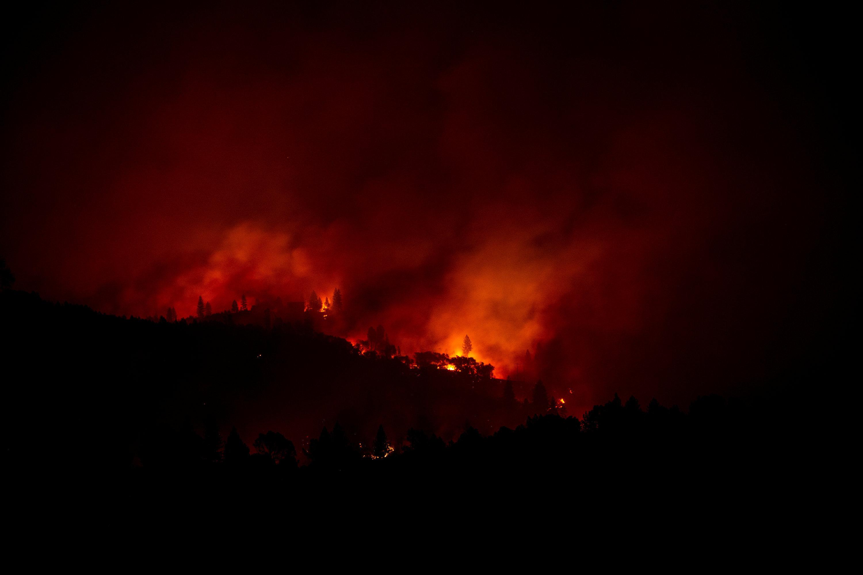 pyrini-kolasi-stin-kalifornia-25-nekroi-amp-8211-anypologistes-katastrofes-fotografies0