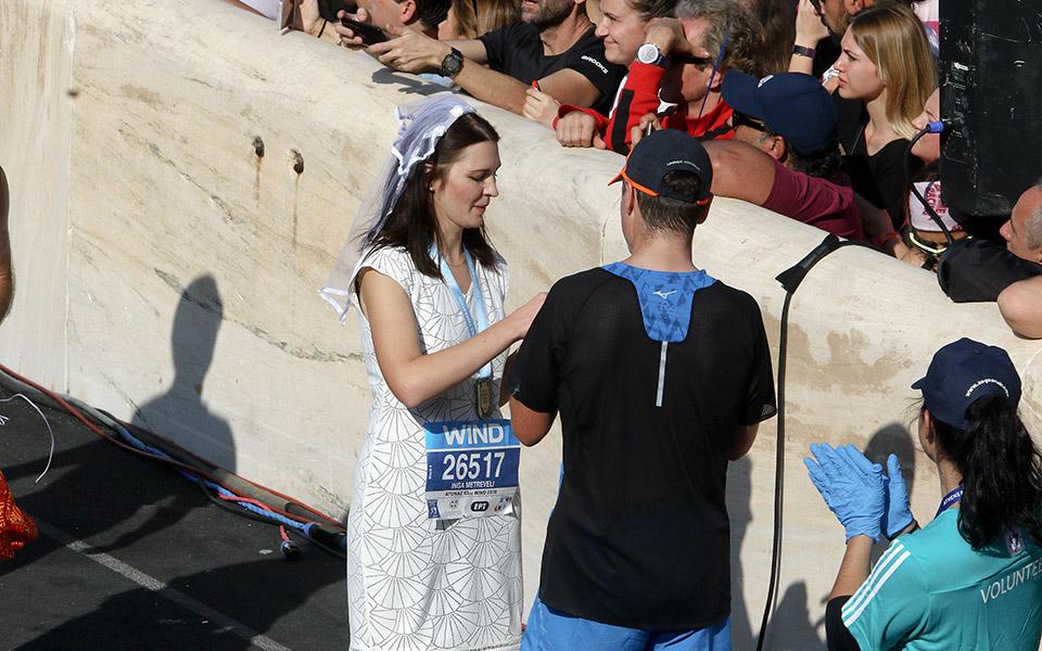 marathonios-athinas-i-giorti-tis-polis-me-55-000-dromeis-amp-8211-ta-apotelesmata-fotografies7