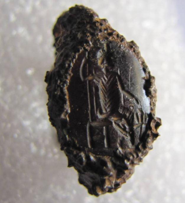 sto-fos-i-archaia-tenea-amp-8211-spoydaia-archaiologika-eyrimata-fotografies1