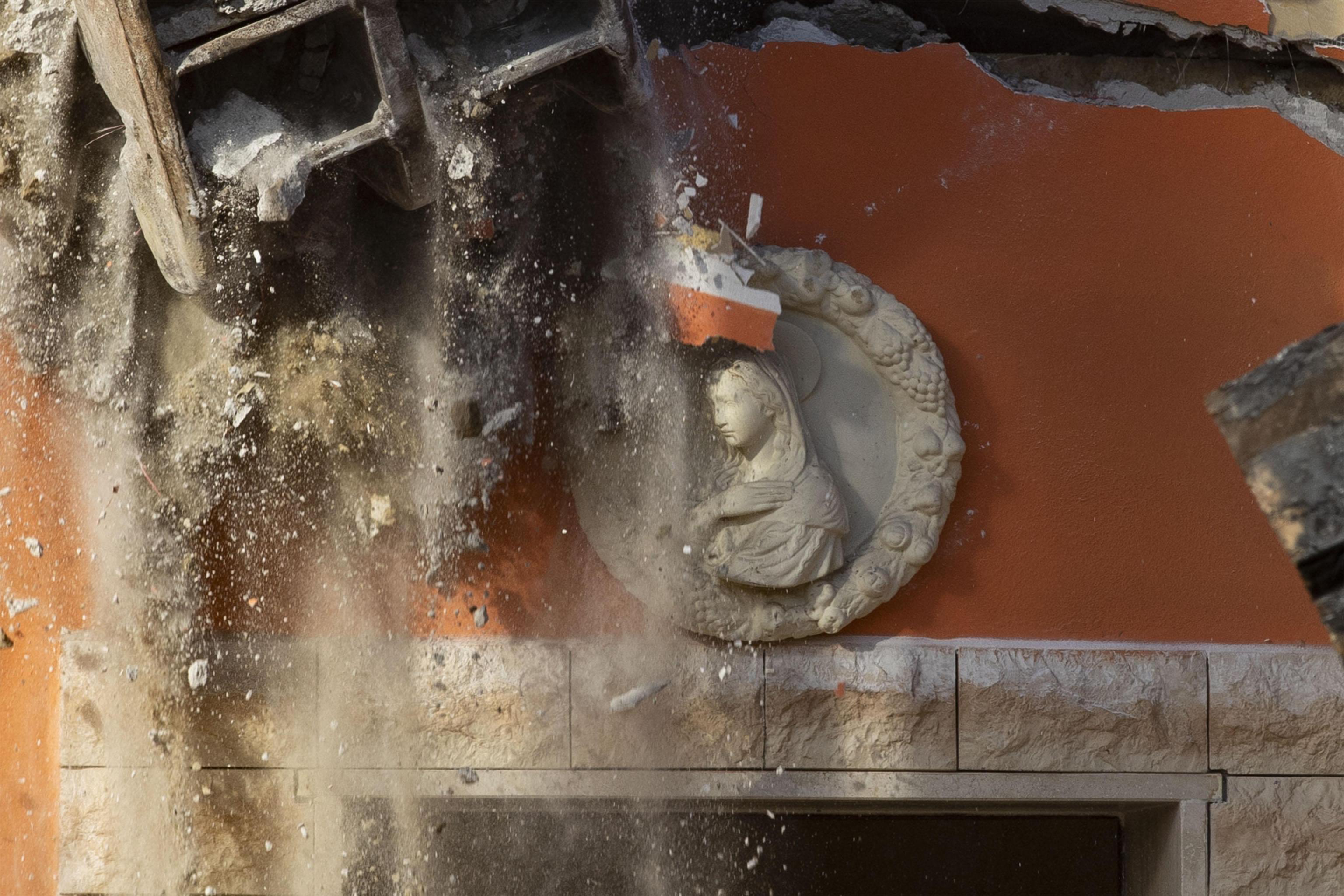 italia-mpoylntozes-katedafisan-tis-viles-mias-mafiozikis-fatrias-fotografies0