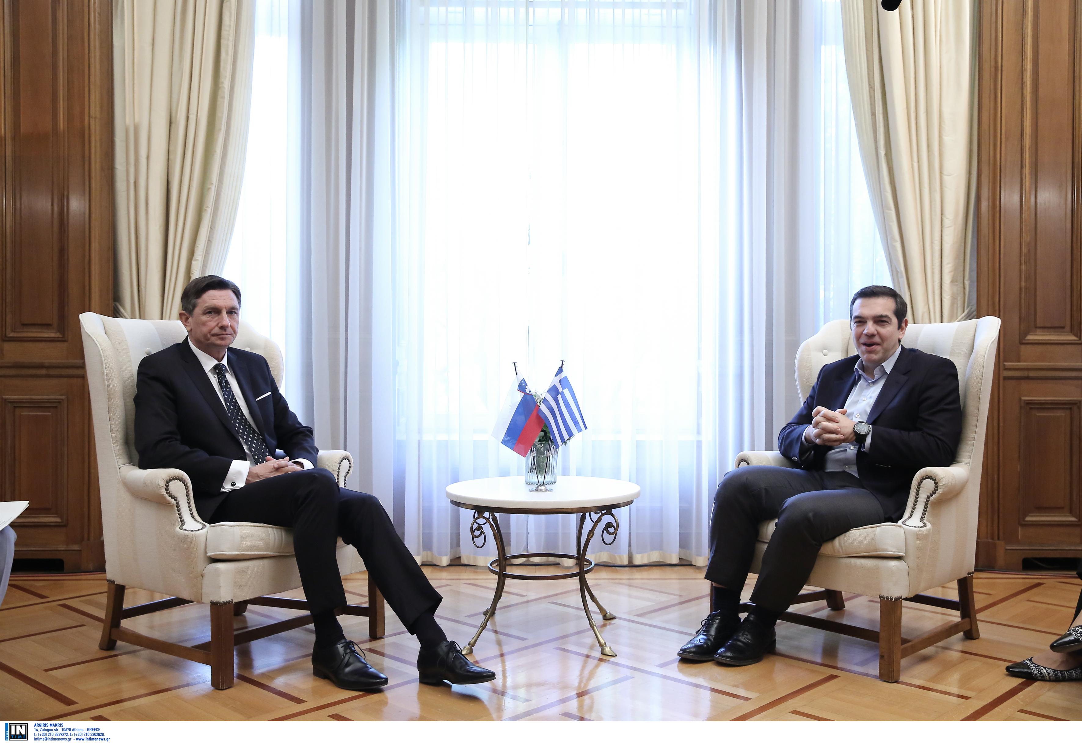 tsipras-se-sloveno-proedro-sto-exis-tha-anagnorizete-toys-geitones-mas-os-voreia-makedonia3
