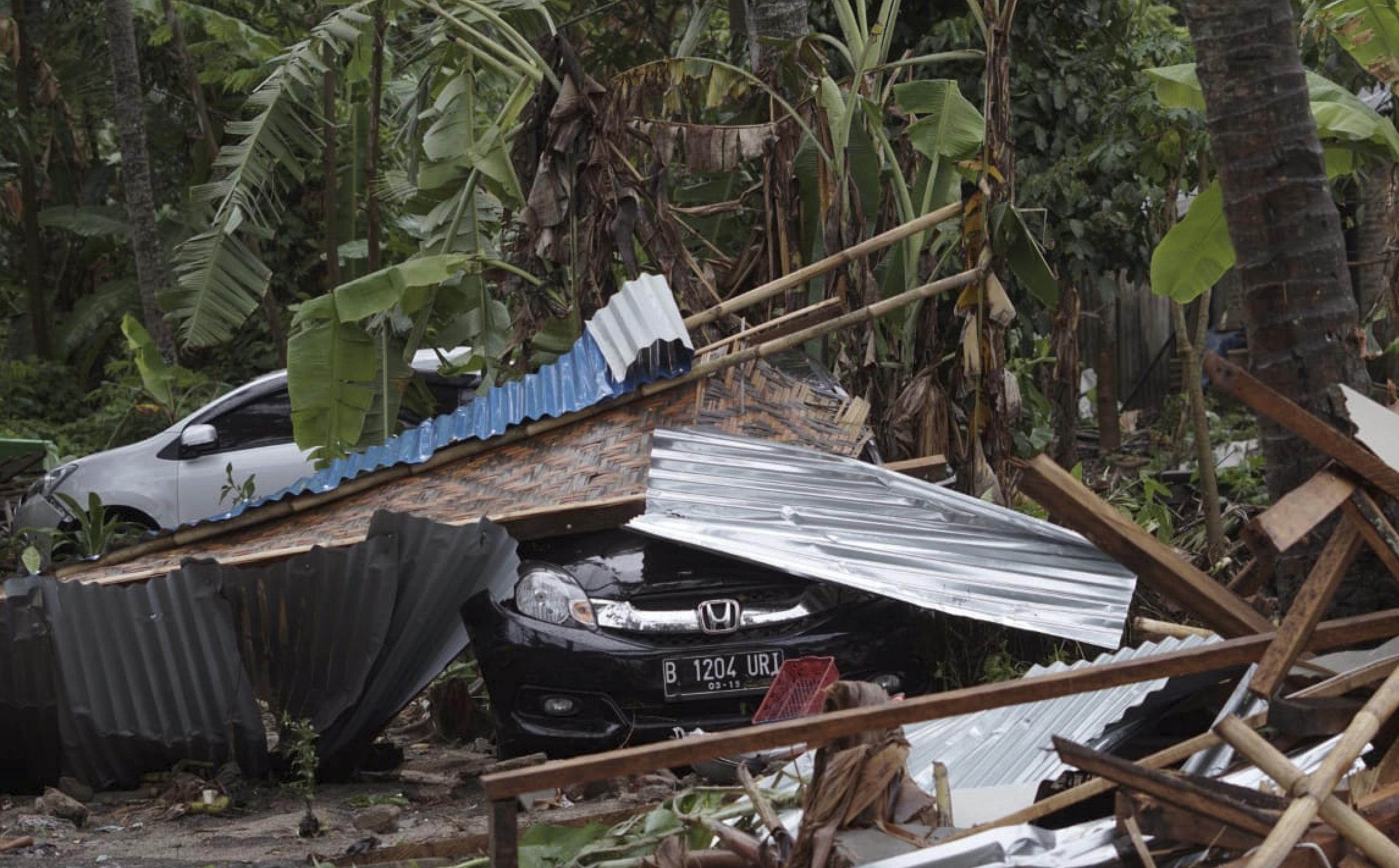 indonisia-xeperasan-toys-220-oi-nekroi-apo-to-tsoynami-meta-tin-ekrixi-ifaisteioy-fotografies-amp-8211-vinteo13