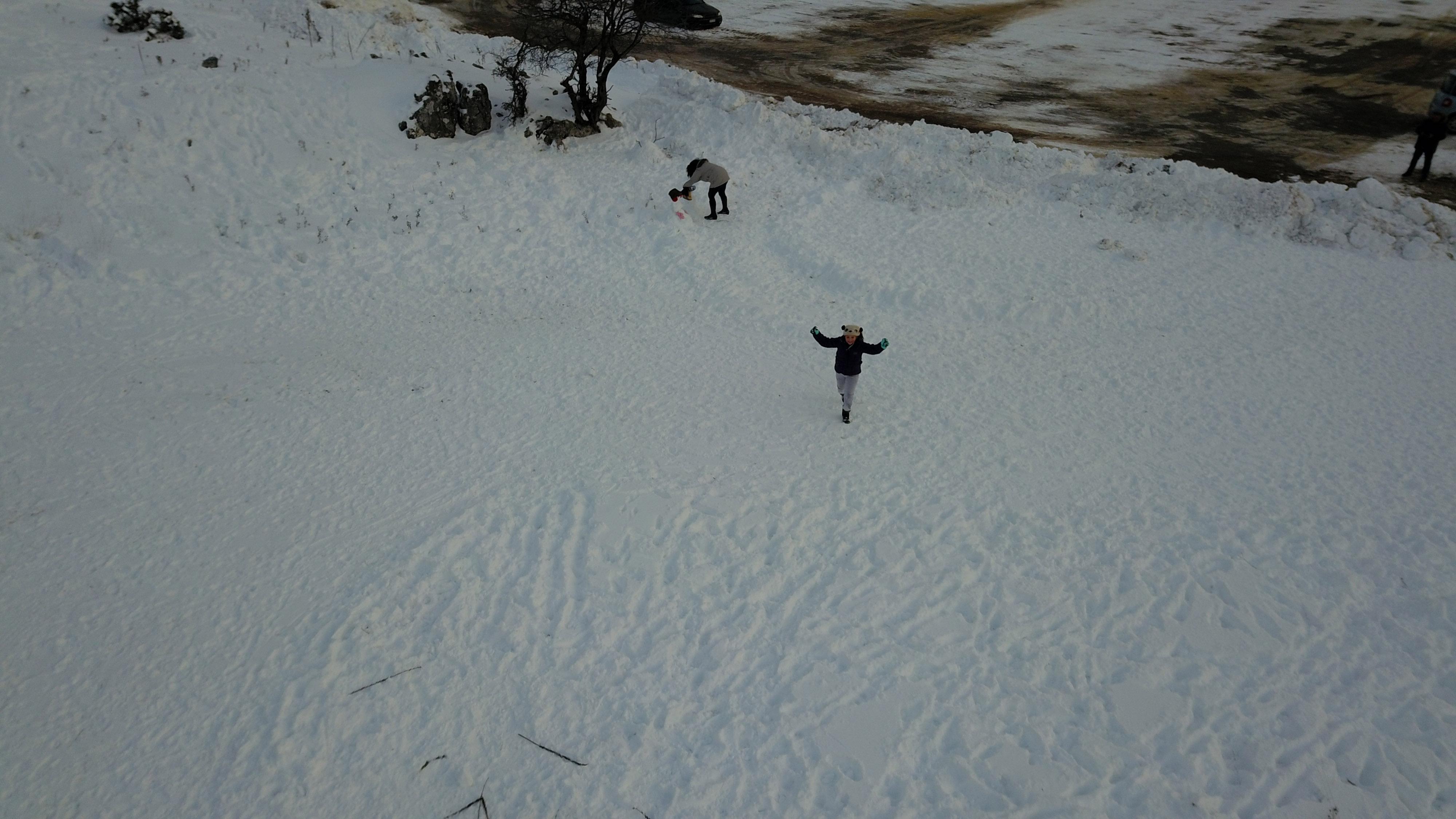 entyposiakes-eikones-me-to-chionodromiko-kentro-mainaloy-apo-drone-fotografies-vinteo2