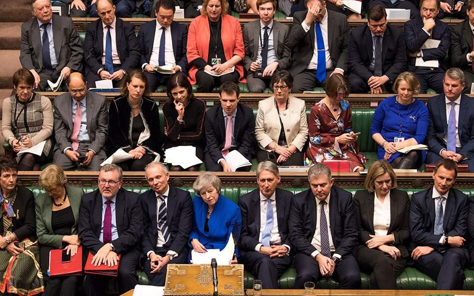 epiviose-i-mei-tis-protasis-momfis-amp-8211-senario-paratasis-toy-brexit-eos-to-20200