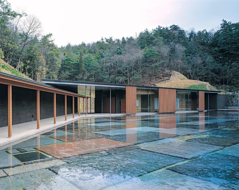vraveio-pritzker-ston-iapona-architektona-arata-isozaki5