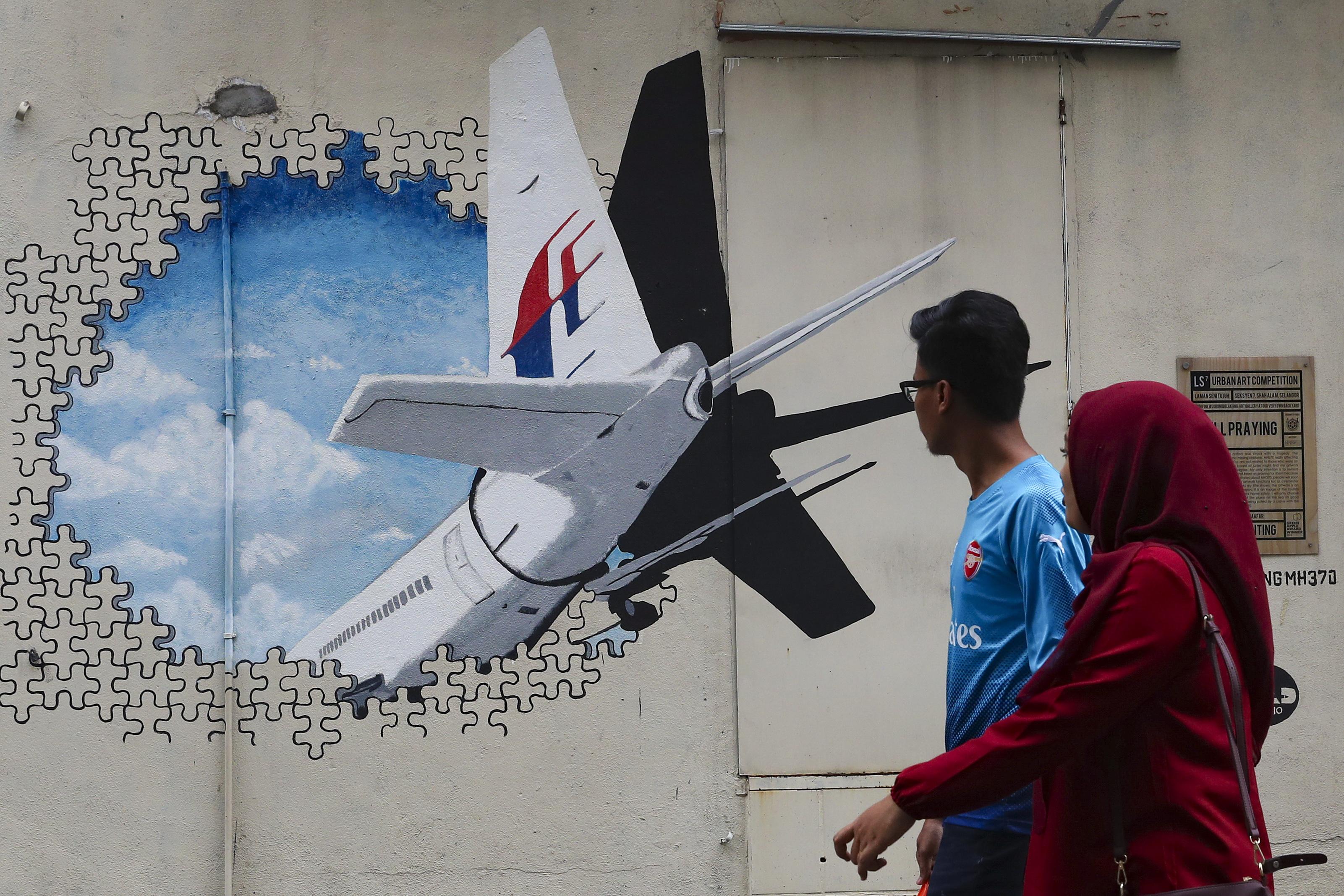 pente-chronia-mystirio-gia-tin-exafanisi-tis-ptisis-mh370-tis-malaysia-airlines0