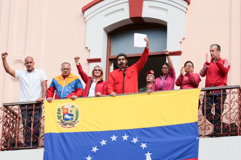 tria-senaria-gia-tin-exelixi-tis-krisis-sti-venezoyela1