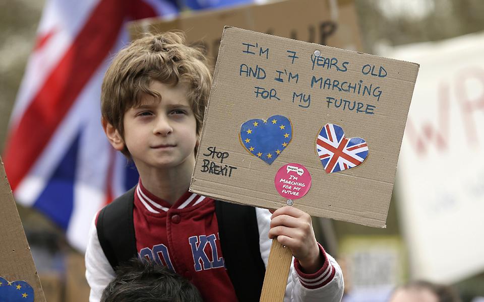 ena-ekatommyrio-diadilotes-kata-toy-brexit-sto-londino-amp-8211-sfiggei-o-kloios-gia-tin-mei-vinteo-amp-8211-fotografies2