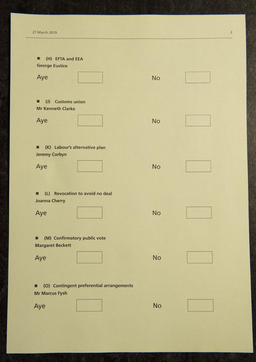 tin-kathysterisi-toy-brexit-enekrinan-oi-vretanoi-voyleytes-amp-8211-katapsifisan-kai-tis-8-protaseis1