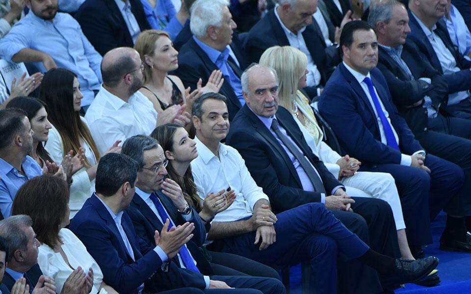 mitsotakis-se-4-meres-i-ellada-teleionei-me-ton-syriza1