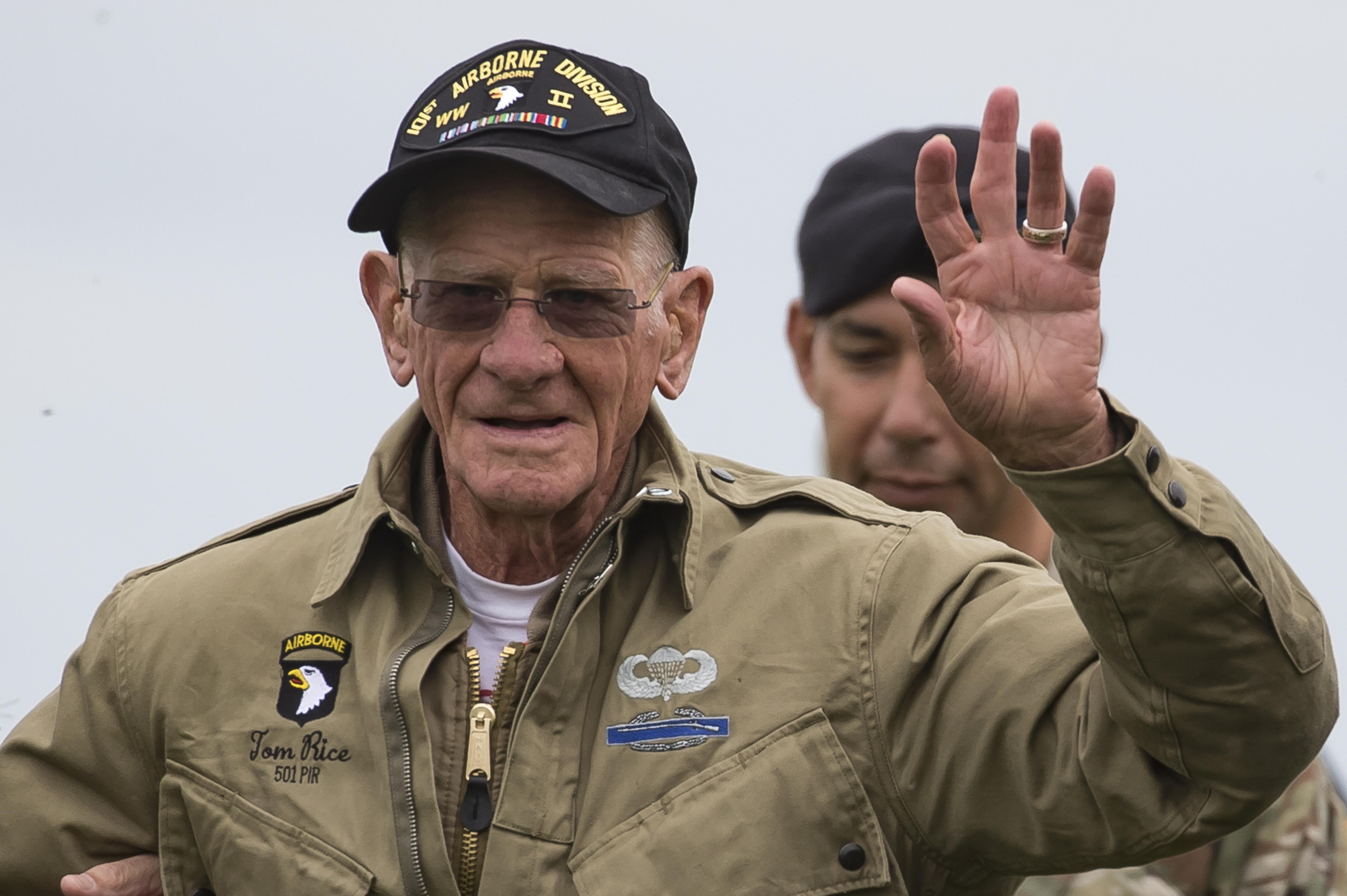 amerikanos-97chronos-veteranos-epese-me-alexiptoto-sti-normandia-gia-na-timisei-tin-d-day-vinteo0