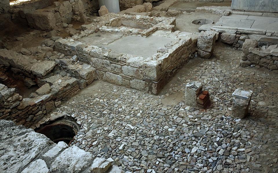 anoigei-gia-to-koino-i-archaia-athinaiki-geitonia-kato-apo-to-moyseio-tis-akropolis-fotografies5