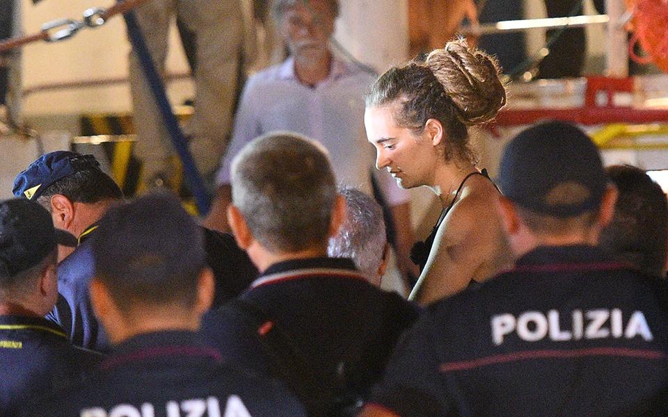 italia-sti-lampentoyza-to-sea-watch-para-tin-apagoreysi-ton-italikon-archon1