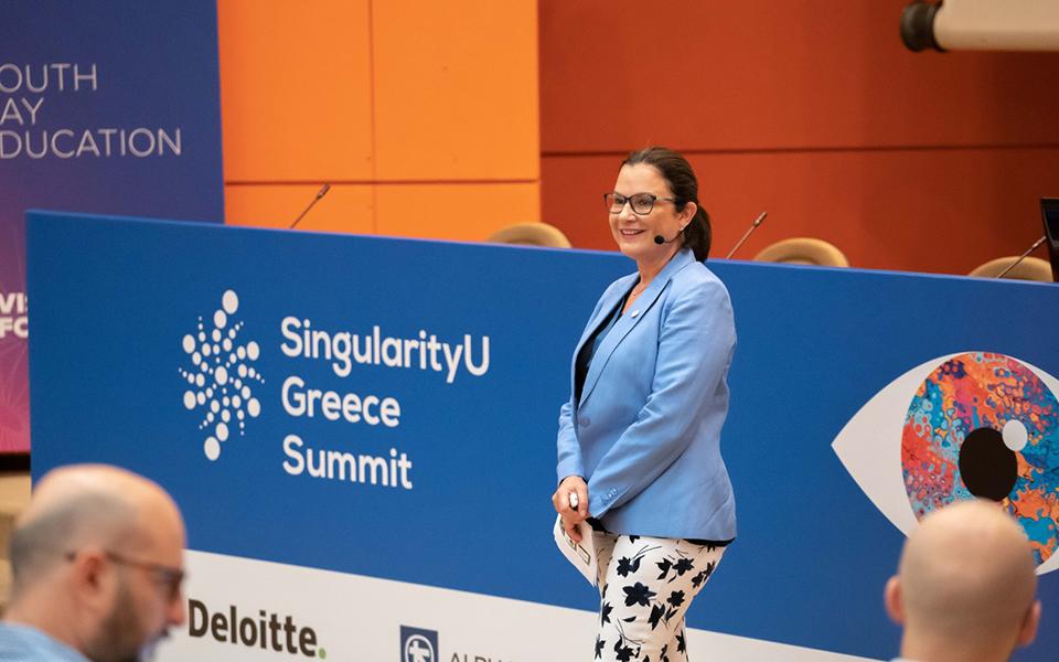 to-singularityu-greece-summit-epistrefei-me-thema-vision-forward5