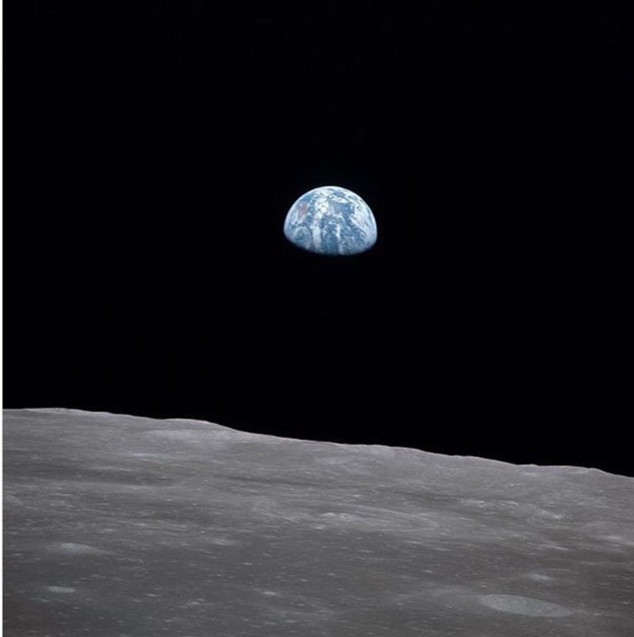 moon-hoax-i-gennisi-kai-i-kryfi-goiteia-toy7