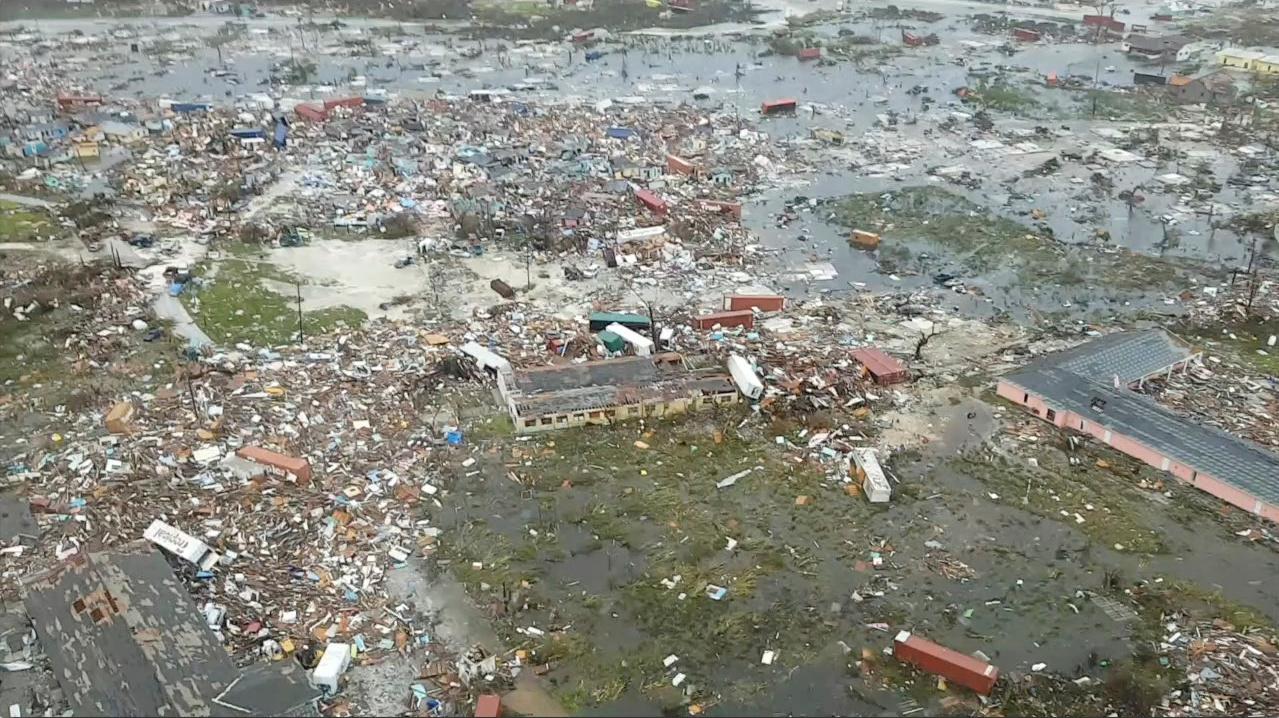 eikones-katastrofis-stis-mpachames-apo-ton-kyklona-ntorian-stoys-epta-ayxithikan-oi-nekroi-fotografies5