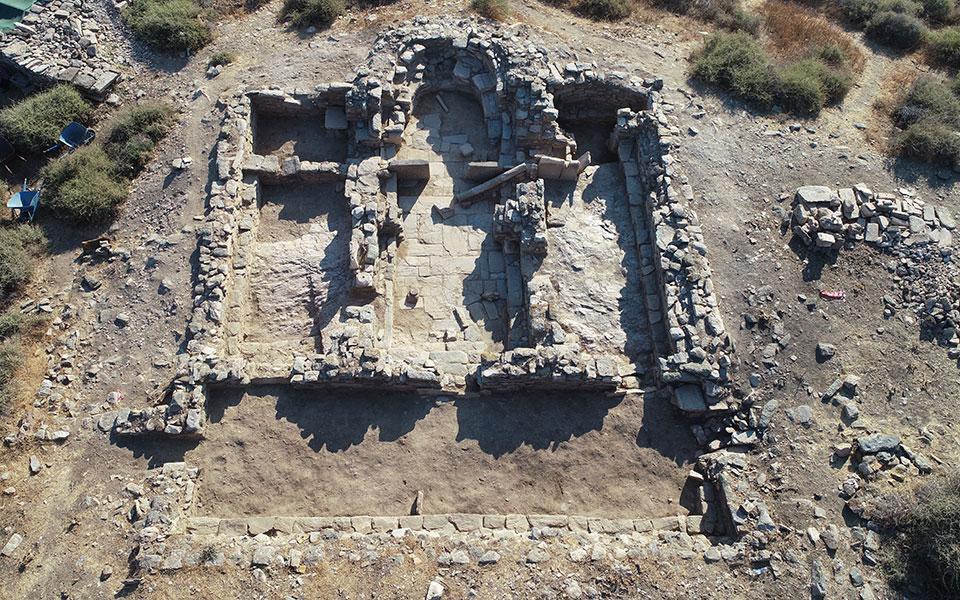 simantika-eyrimata-efere-sto-fos-i-archaiologiki-skapani-stin-kythno-fotografies17
