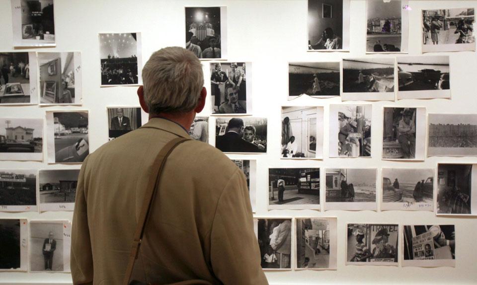 efyge-apo-ti-zoi-o-diasimos-fotografos-rompert-frank1