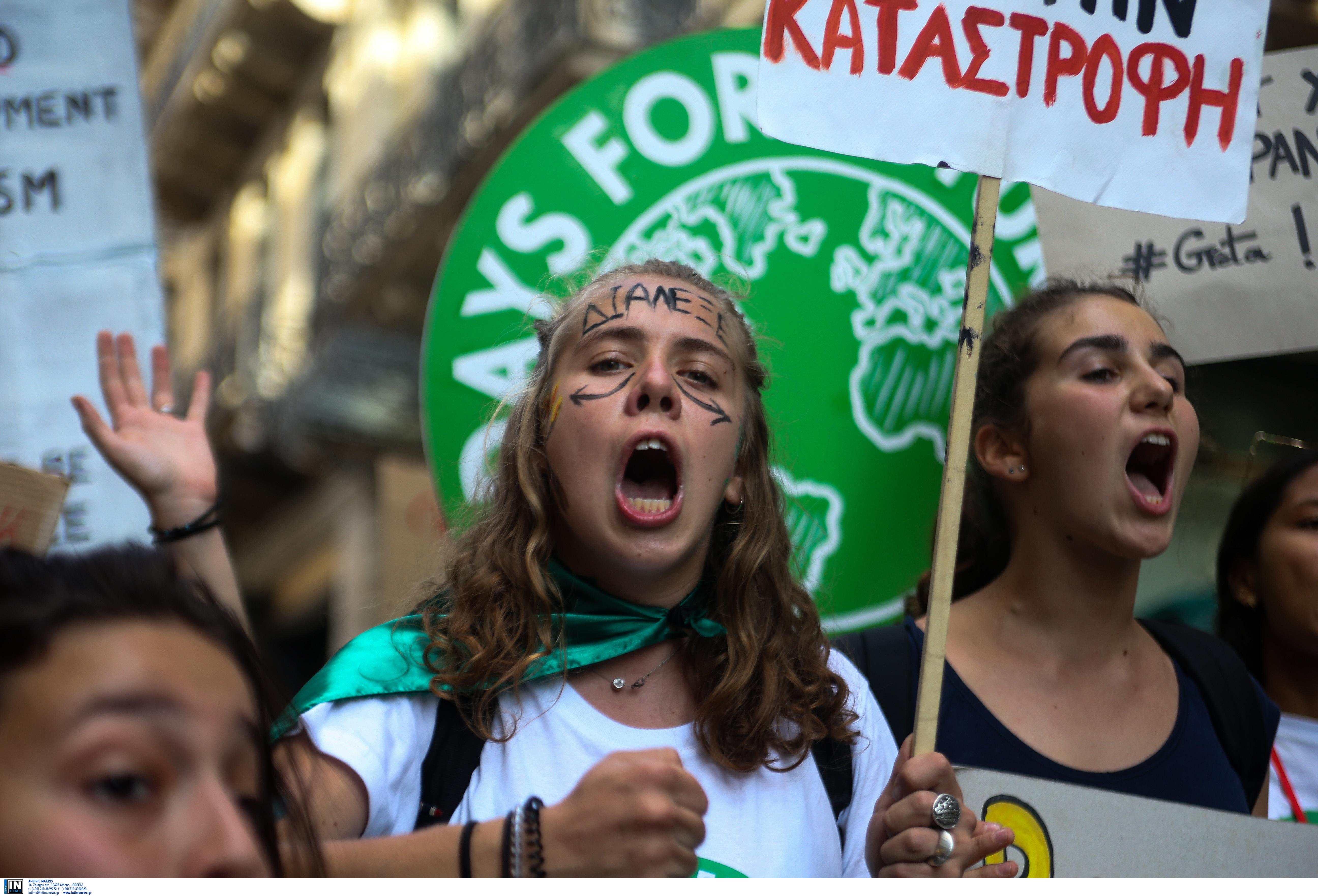 mathitiki-poreia-sto-syntagma-gia-tin-klimatiki-allagi-fotografies9