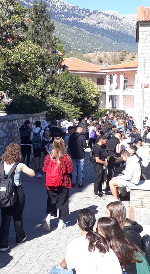 2-000-mathites-gia-tin-28i-oktovrioy-sto-distomo-gia-anti-nazi-mathima3