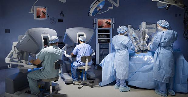metropolitan-hospital-to-mono-stin-ellada-me-davinci-xi-amp-038-davinci-si-gia-elachista-epemvatikes-methodoys0