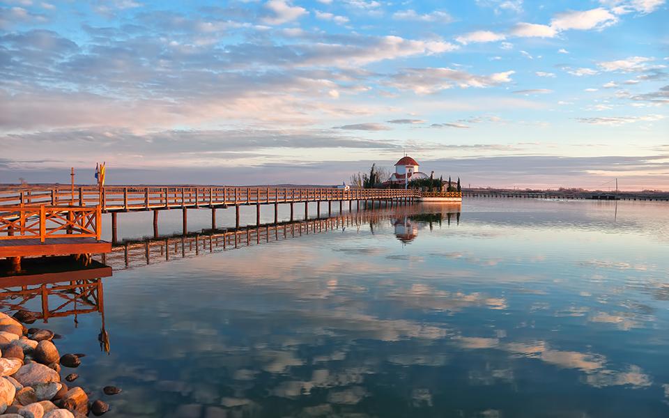 to-grafiko-psarochori-toy-porto-lagos-stin-akri-tis-vistonidas-fotografies2