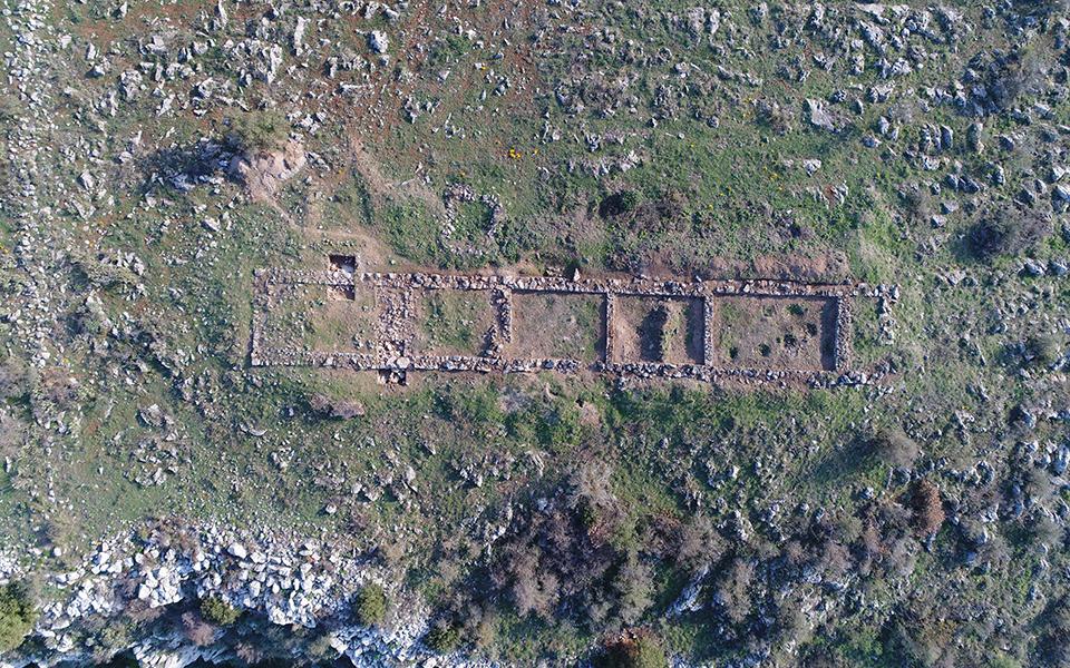 sto-fos-nea-eyrimata-apo-ti-megalyteri-mykinaiki-akropoli-tis-voiotias2