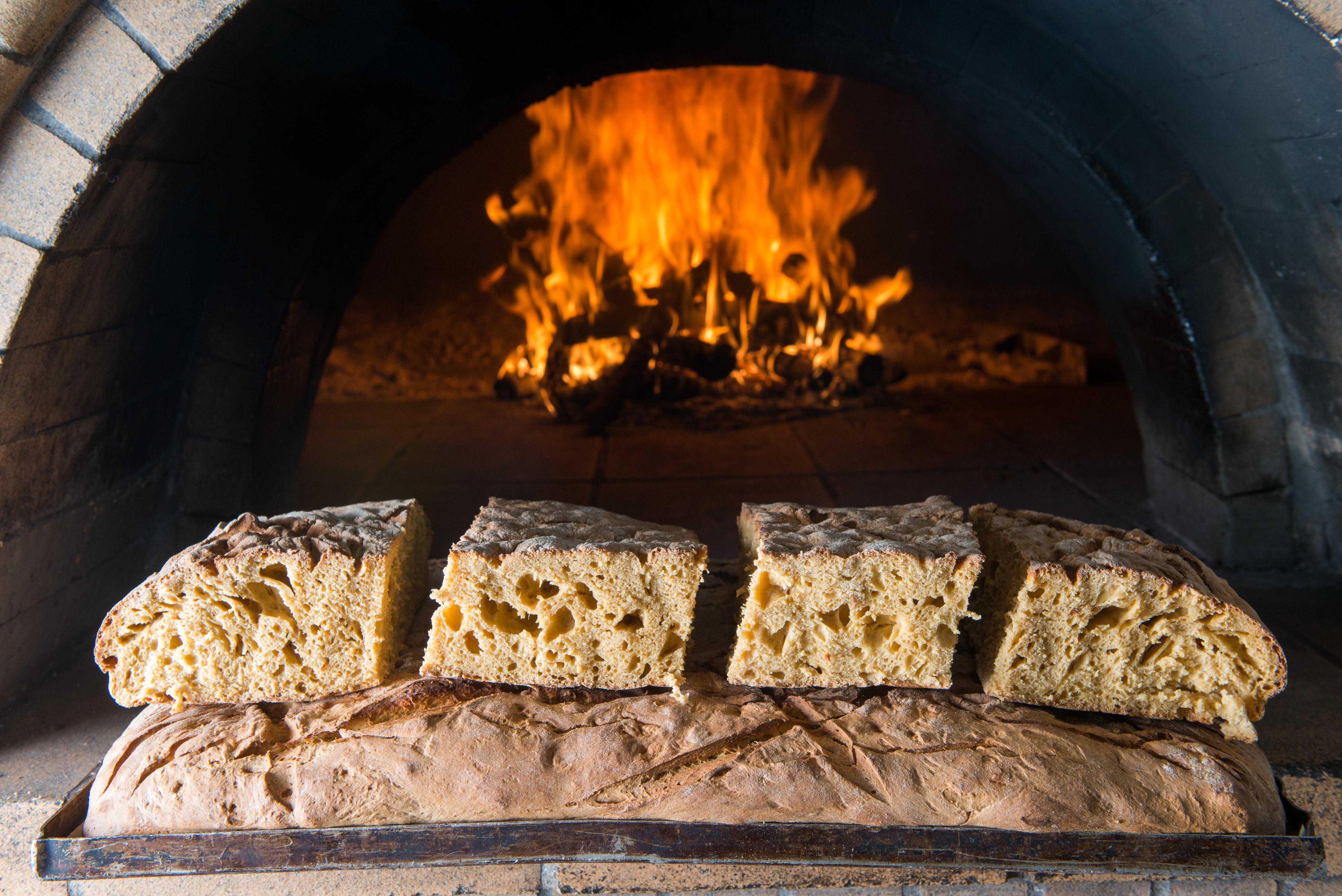 vraveia-poiotitas-gastronomoy-2019-alithino-psomi1