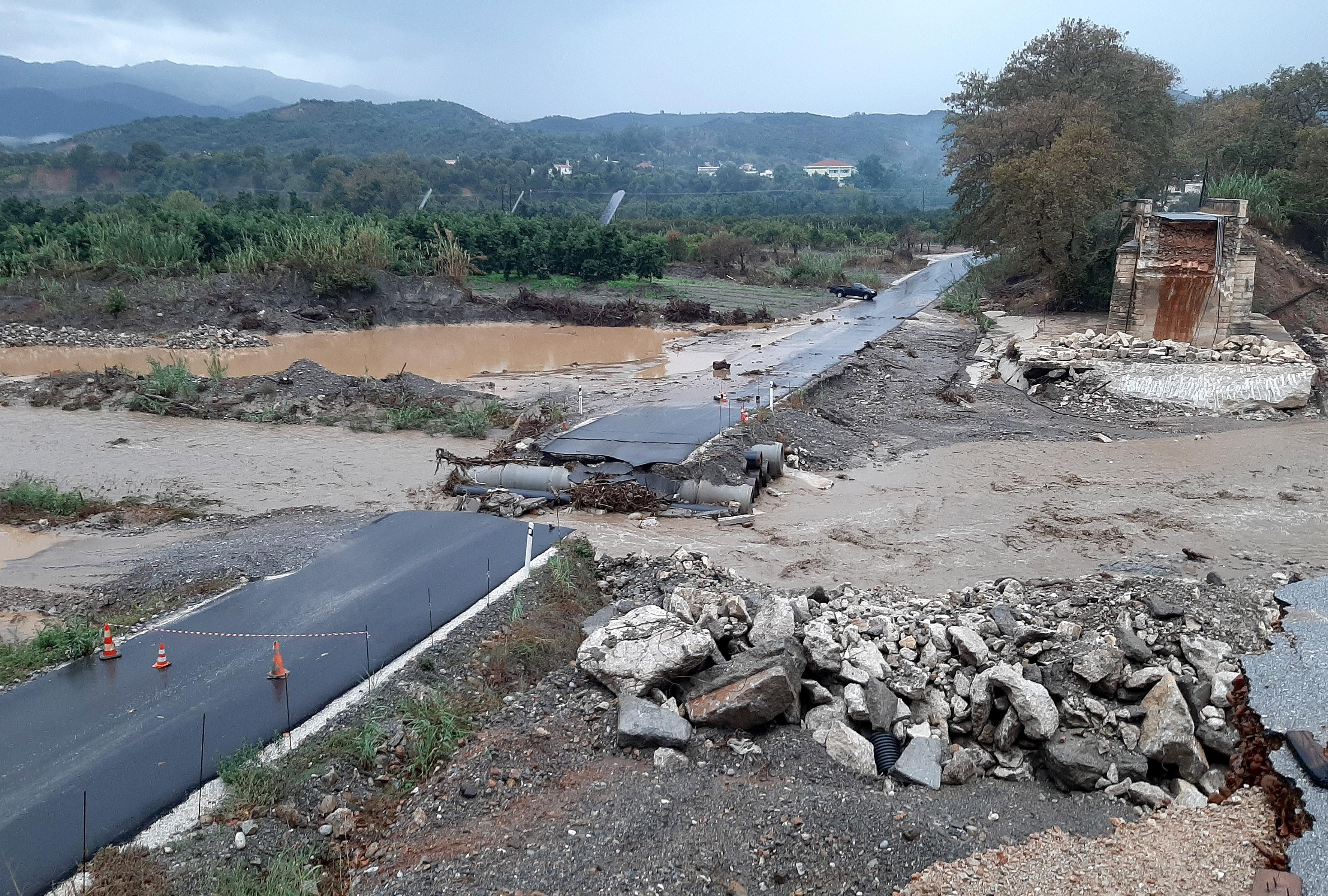 katastrofes-se-kerkyra-kefalonia-kai-chania-apo-ti-viktoria2