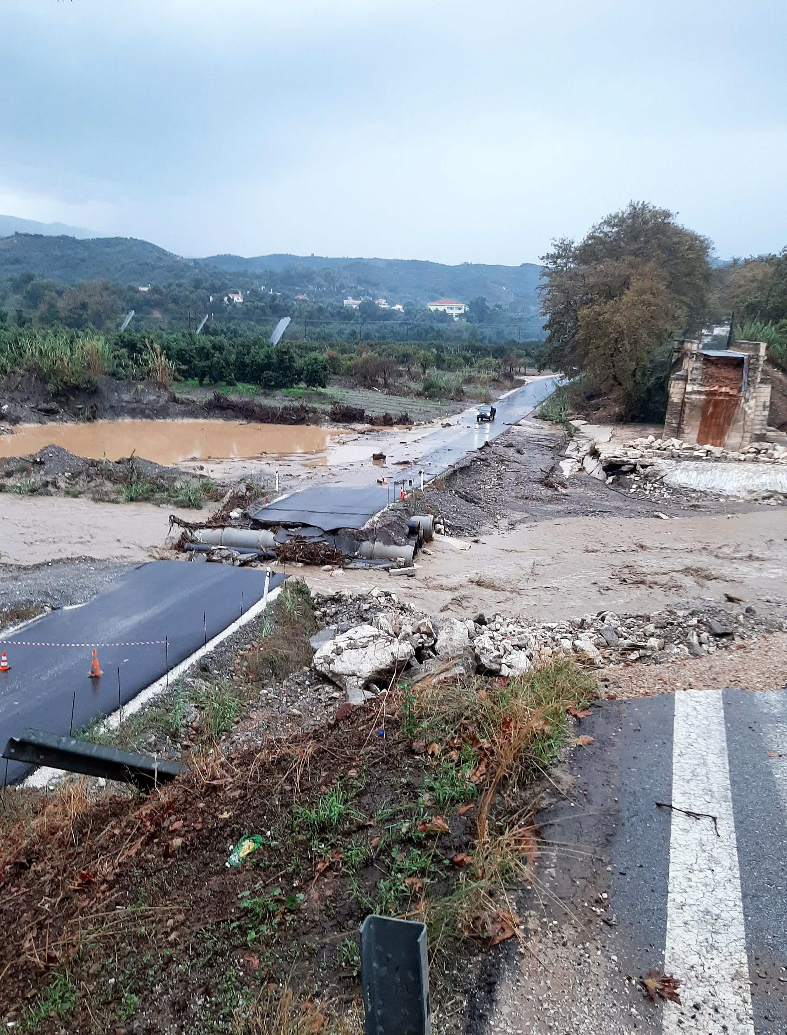 katastrofes-se-kerkyra-kefalonia-kai-chania-apo-ti-viktoria3