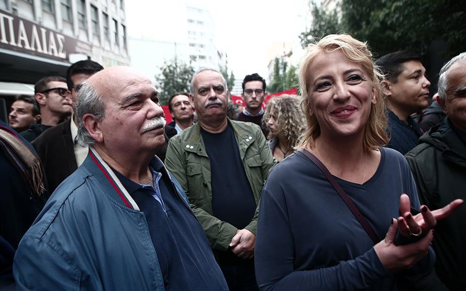o-al-tsipras-stin-poreia-toy-polytechneioy-fotografies5